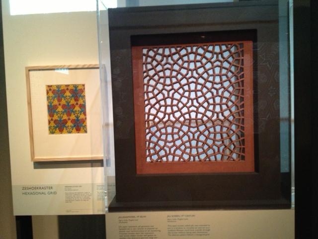 Links Escher, rechts Oosters venster
